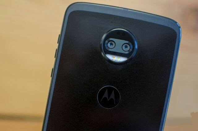 Обзор Lenovo Moto Z2 Force: флагман с двойной камерой и модулями